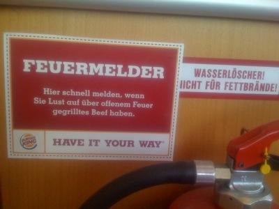 Burgerking Hinweisschild zum Feuermelder